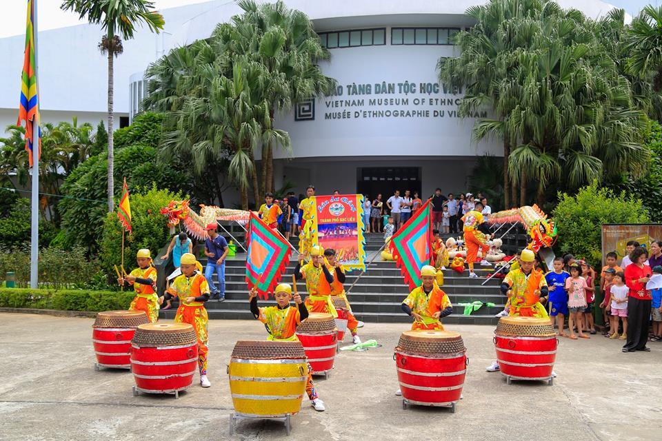 Khu vui chơi Bảo tàng dân tộc học Việt Nam thường xuyên tổ chức các chương trình giao lưu văn hóa