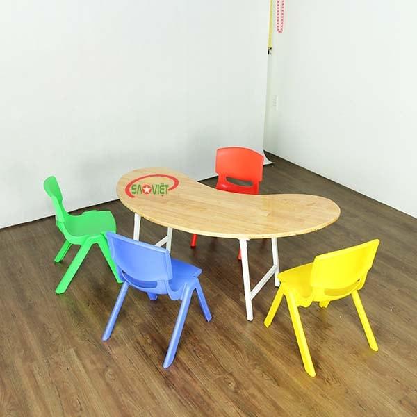bàn bán nguyệt gỗ mầm non chân gấp S013VD2K