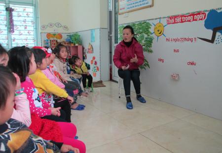 trò chơi cho trẻ mầm non giúp trẻ phân biệt các loại thời tiết để lựa chọn trang phục phù hợp