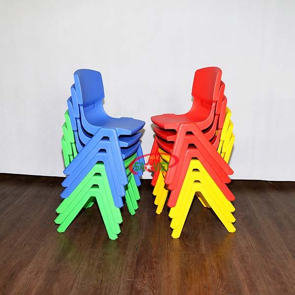 ghế mầm non nhựa đúc chồng gọn lên nhau