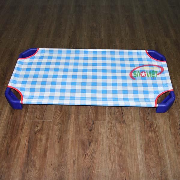giường lưới cho bé mầm non caro xanh S011VIB 2