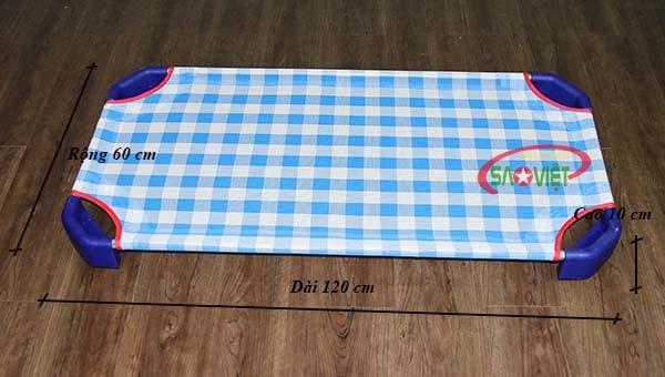 kích thước giường lưới cho bé mầm non caro xanh S011VIB