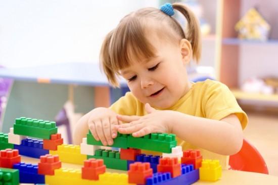 Trò chơi xếp hình giúp bé phát triển khả năng tư duy sáng tạo